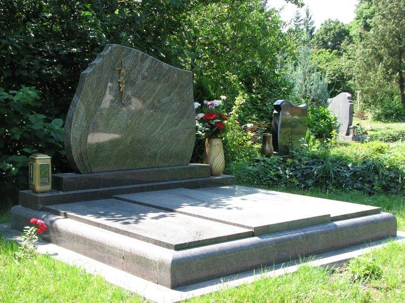 Paradiso gránit dupla sírkő hagyományos hármas lefedéssel
