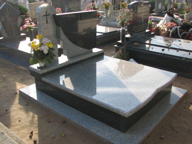 Bianco Tarn/Nero Impala dupla gránit sírkő, dupla emlékkel, osztott íves fedlappal