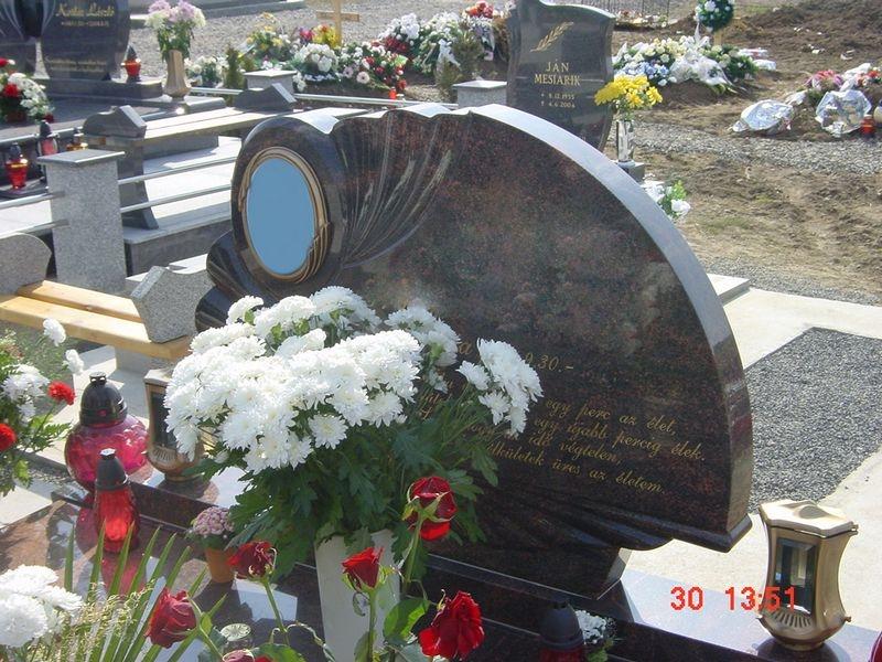 Himalaya Blue gránit dupla sírkő legyezős emlékkel