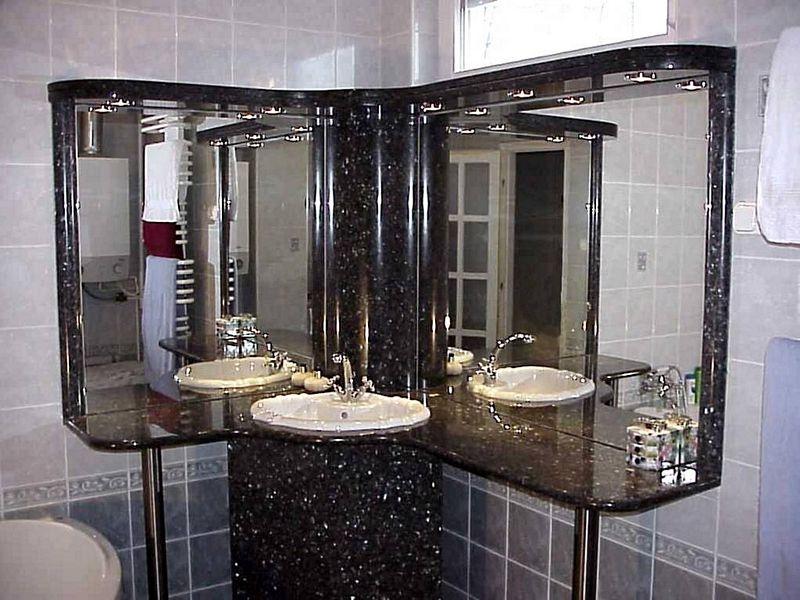 Labrador Blue Pearl gránit mosdópult és tükörkeret