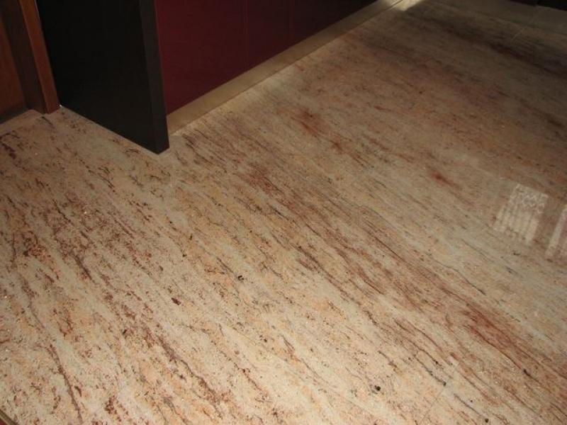 Ivory Shivakashi gránit padló burkolat, bézs-vörös erezett mintázattal