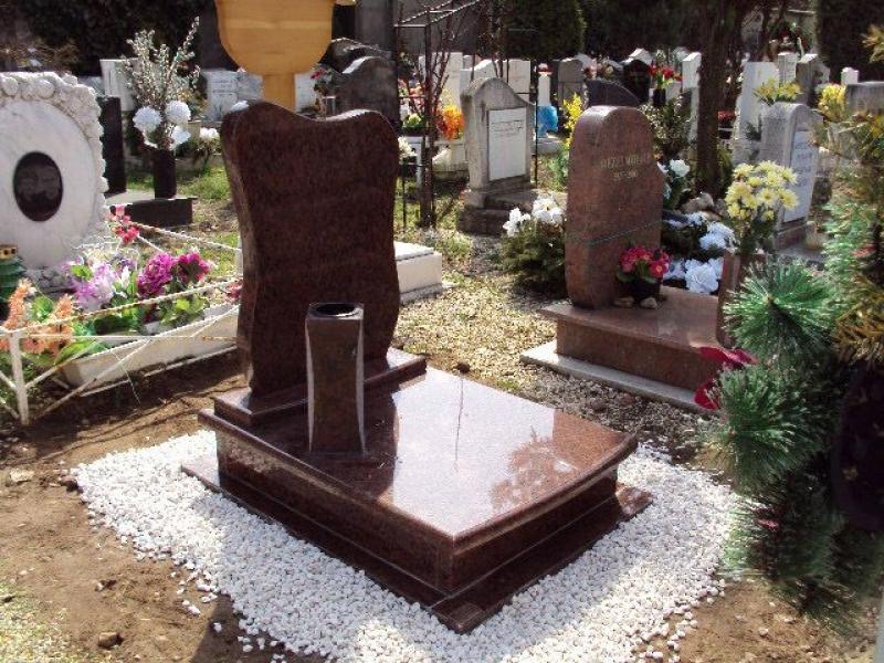 Rosso Vanga gránit urna síremlék íves fedlappal,