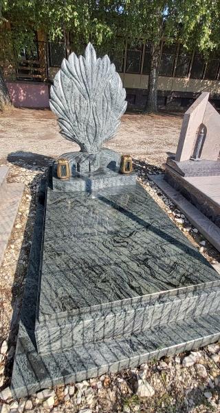 Verde Marina szimpla gránit síremlék