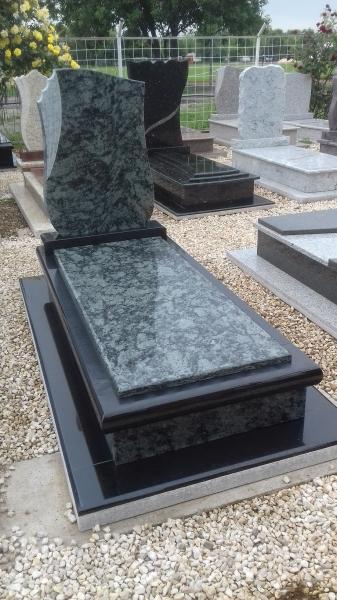 Olive Green ,Nero zimbabwe exkluzív gránit szimpla síremlék.850.000 Ft *
