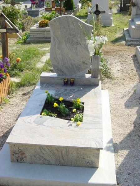 Juparana India szimpla gránit sírkő, fedlapján ültetőrésszel