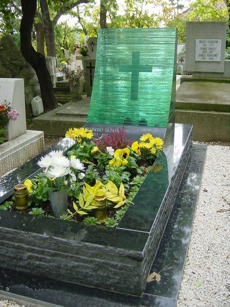 Nero Zimbabwe szimpla gránit exkluzív sírkő üveg emlékkel