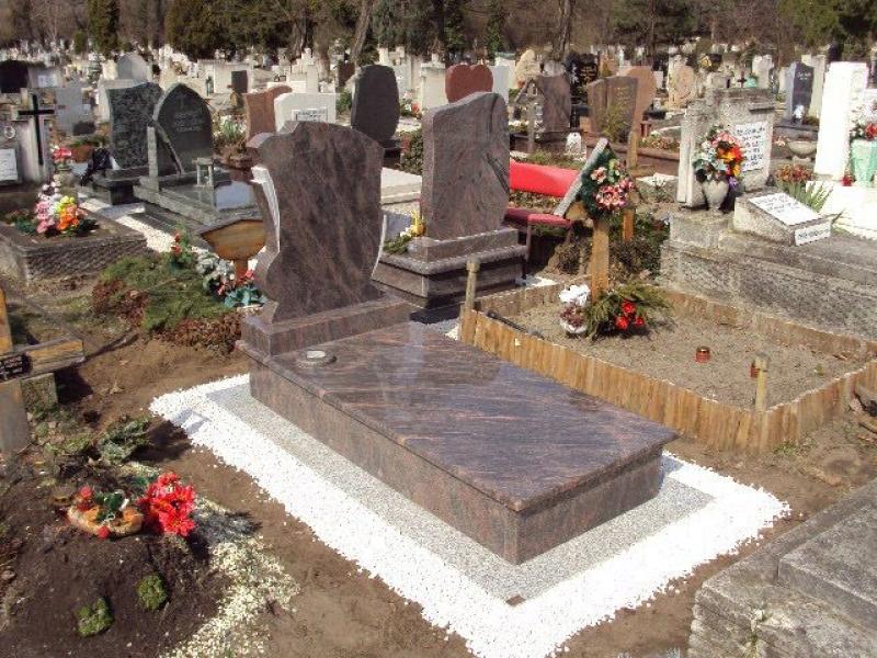 Himalaya Blue szimpla gránit sírkő, fedlapon süllyesztett váza