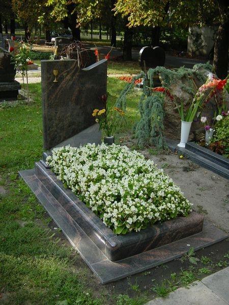 Aurora India szimpla gránit nyitott sírkő,